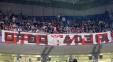 """Εκπληκτική ατμόσφαιρα στο «Kombank Arena» - """"Θρύλε ΟΛΕ"""" φώναζαν τα αδέρφια"""